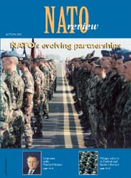 Nato Review; Issue 3; Autumn 2001 Volume Issue 3; Autumn 2001 by Bennett, Christopher