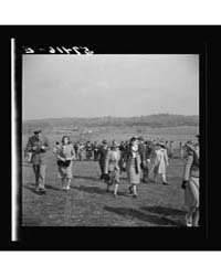 Spectators at the Point to Point Cup Rac... by Library of Congress